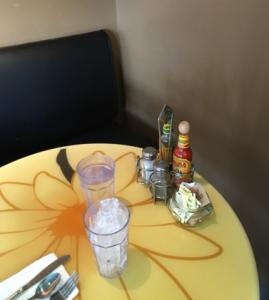 daisy table_sloan